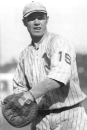 Harry_McCurdy_(1923_Cardinals)_3